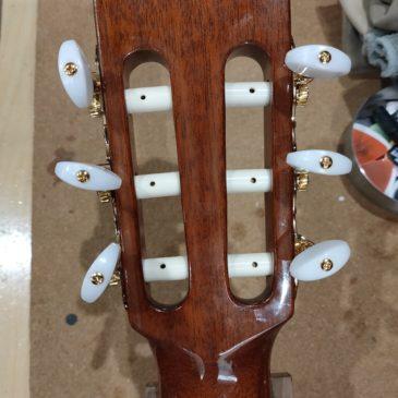 クラシックギター / ペグ交換